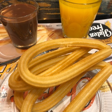 Churros con Chocolate (Churros with Chocolate)
